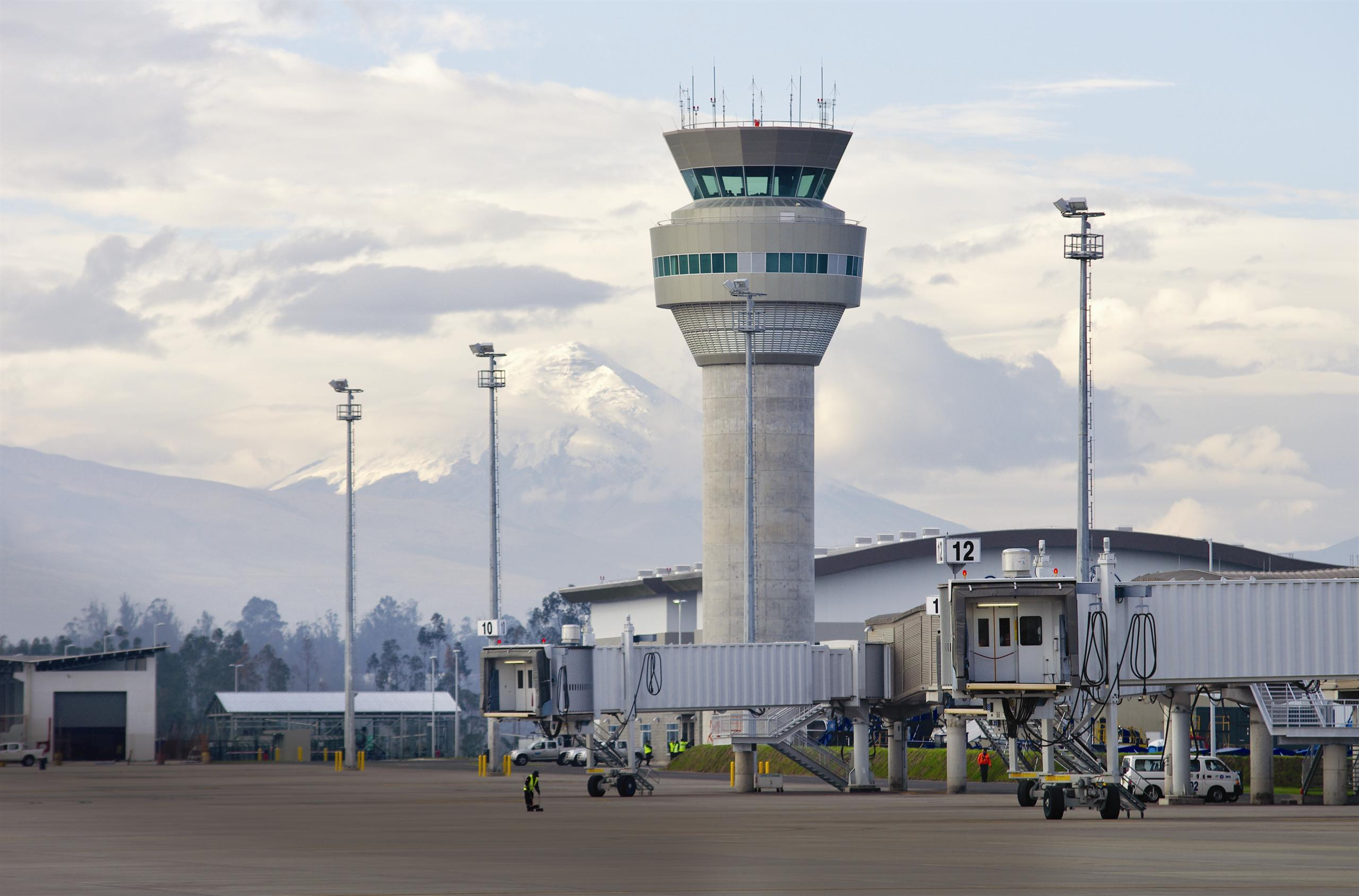 Image of air traffic control tower