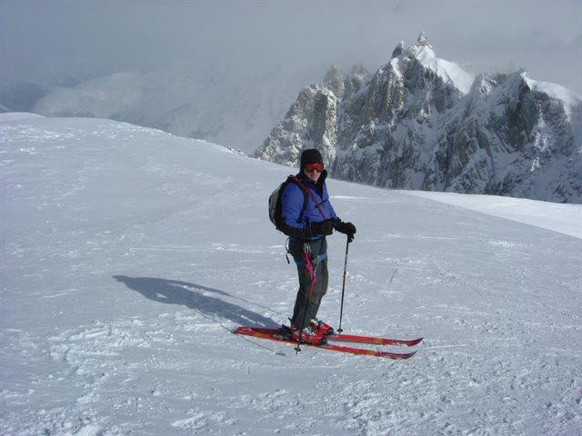 Alan ready to set off from the Midi-Plan ridge at 3800m ht – 12 mile off piste ski run down to Chamonix