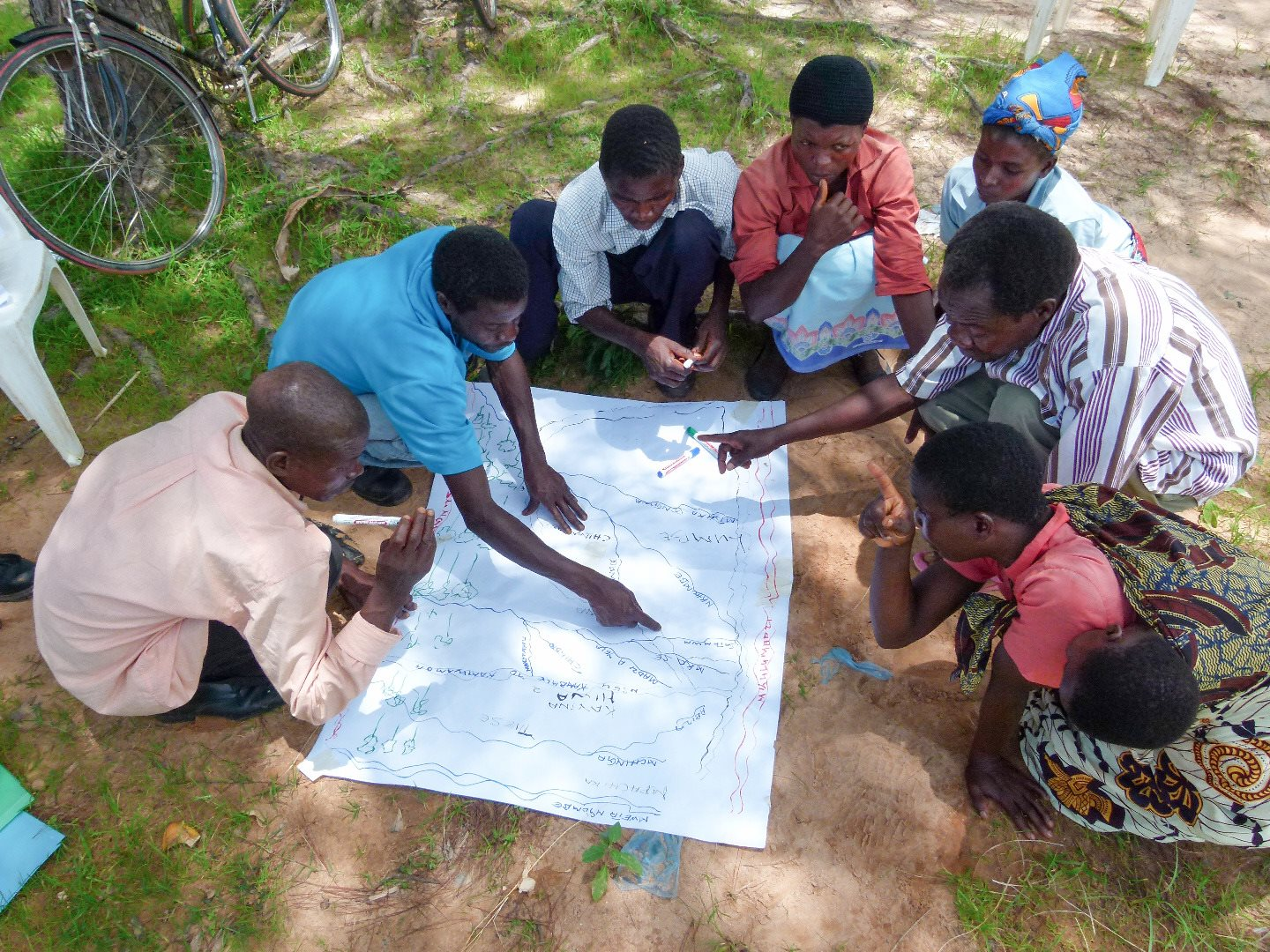 Community plans how to prevent erosion in Malawi shire river basin